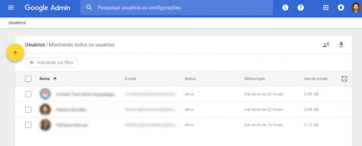 A página de usuários exibe a lista de usuários existentes no G Suite