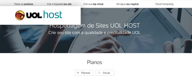 Captura de tela do site da UOL Host com o logotipo da empresa sobre a página.