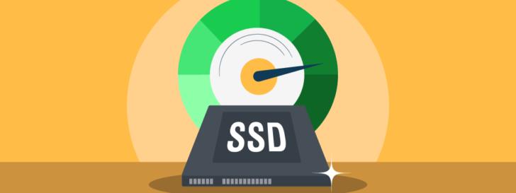 Hospedagem com SSD - ilustração de unidade SSD com u velocímetro logo acima.